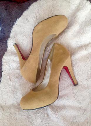 Туфли лодачки телесного цвета женские, лодачки на каблуке