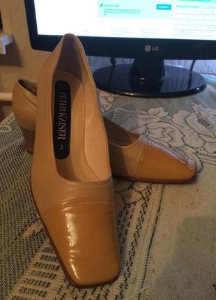 Бежевые,кожаные туфли, peter kaiser