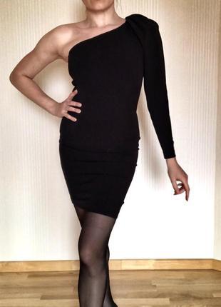 Чёрное платье на одно плечо zara