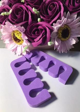 Разделитель для пальцев ног (растопырка для пальцев) из плотной губки2 фото