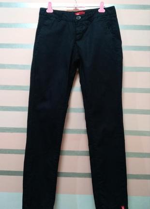 Тонкие,черные брюки чиносы edc
