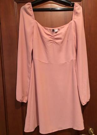 Женственное пудровое платье h&m