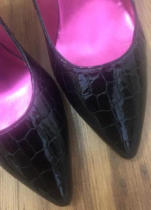 Черные лаковые туфли испания