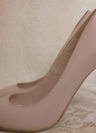 Кожаные фирменные туфли pepe runa.