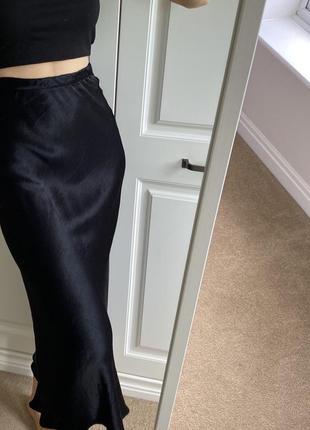 Черная юбка миди сатин тренд zara3 фото