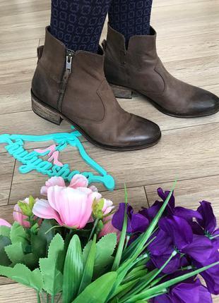 Удобные кожаные ботинки бренд esprit