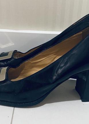 Лаковые туфли квадратный носок gironacci