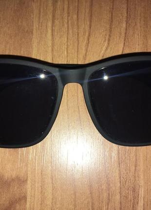 Срочно продам шикарные матовые солнцезащитные очки ray-ban!!!