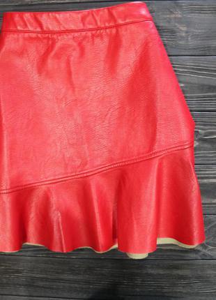 Красная юбочка из кож.зама короткая