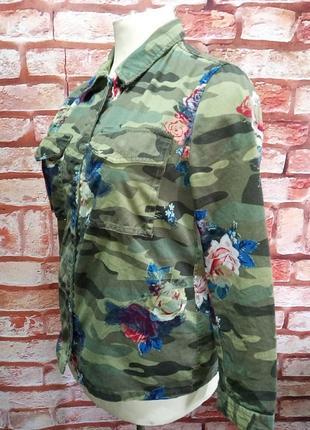 Курточка оригинальная камуфляж с цветами jean pascale