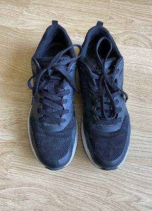 Симпатичні чорні жіночі кросівки/ кроссовки champion,