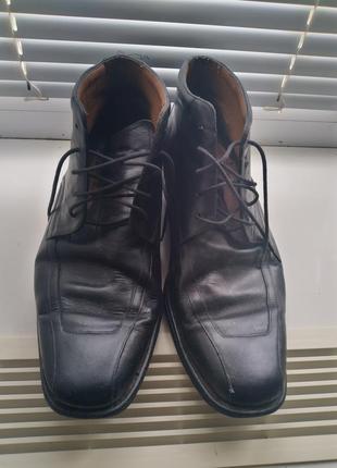 Кожаные туфли чёрногр цвета