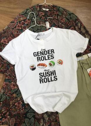 Нова футболка з сушами stradivarius