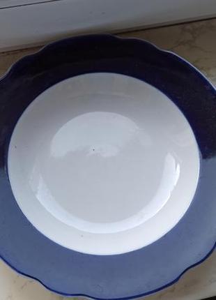 Глубокая, большая тарелка