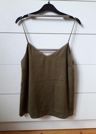 Блуза оливкова в більєвому стилі stradivarius, m
