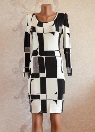 Большой выбор платьев - демисезоное платье миди по фигуре в принт длинный рукав