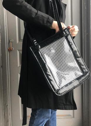 Лакова сумка з принтом «гусяча лапка»