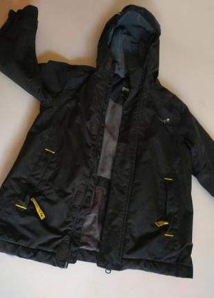 Фирменная демисезонная курточка, куртка на флисе на мальчика 5-6 лет в идеальном состоянии