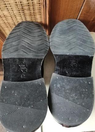 Классические туфли от именитого бренда.7 фото