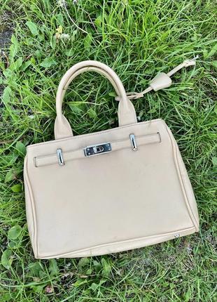 Деловая стильная бежевая сумка сумочка