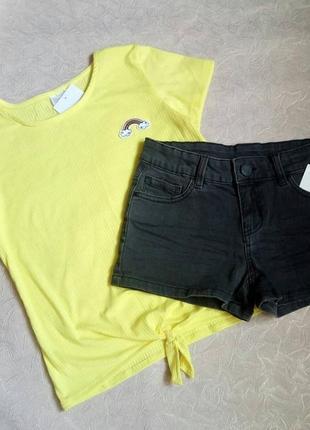 Джинсовые шорты и футболка