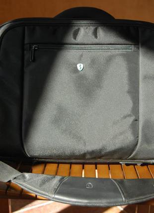 Сумка для ноутбука в идеальном состоянии