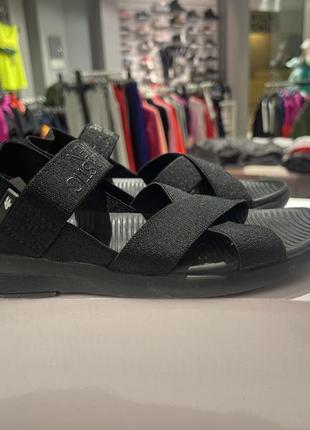 Женские спортивные сандали