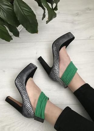 Крутые итальянские туфли, полностью кожаные