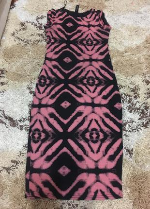 Шикарное трикотажное платье izabel london