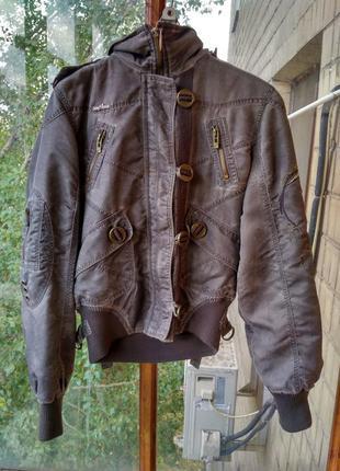 Весенняя куртка с вышивкой на спине цвета хаки с капюшоном, короткая, бомбер