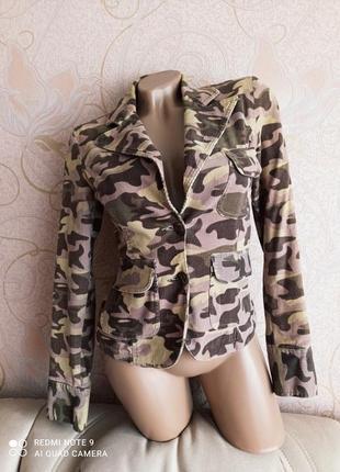 Стильный вельветовый пиджак, жакет