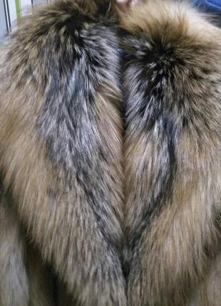 Новая красивая шуба из лисы