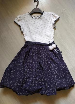 Нарядное школьное платье с объемным подъюпником