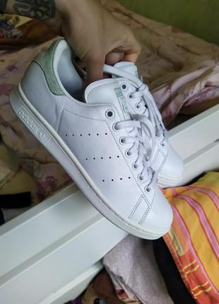Кроссовки кожа adidas stan smith оригинал размер 40 25,5 см как новые