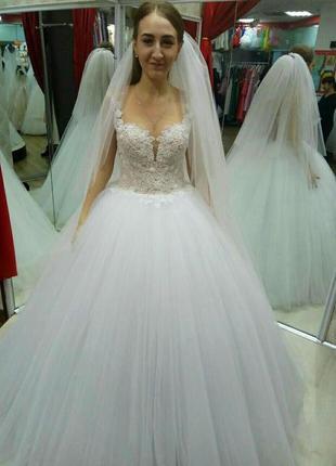 Нереальное новое свадебное платье +фата шлейф в подарок