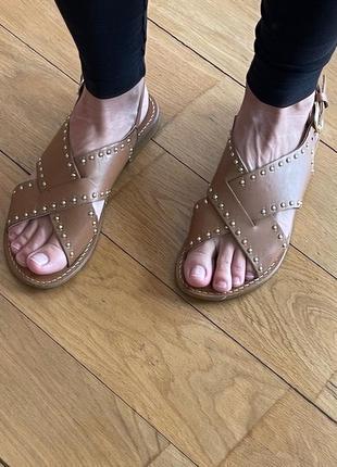 Caroll коричневые кожаные сандалии босоножки с заклепками 37