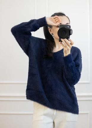 Пушистый мягкий свитер