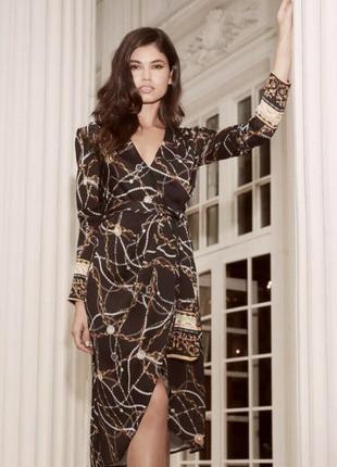Шикарное платье на запах lipsy принт золотыми цепочками