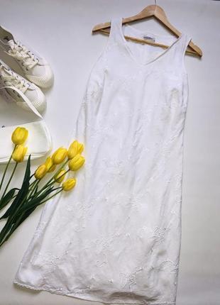 Белоснежное платье с вышивкой 100% лён