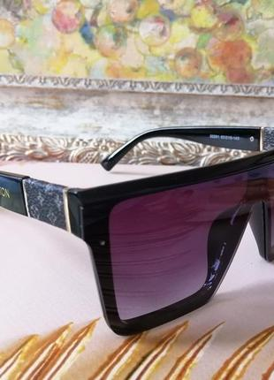 Эксклюзивные брендовые чёрные солнцезащитные очки унисекс