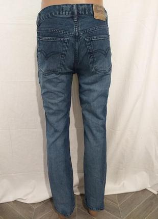 Мужские, классические джинсы.