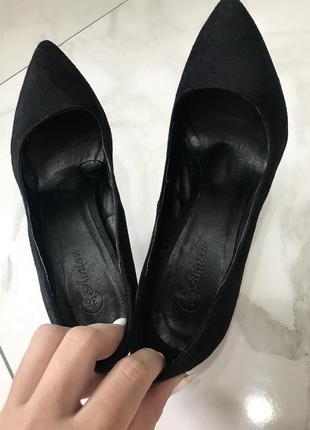 Amisu туфли женские чёрные классические лодочки на каблуке среднем замшевые