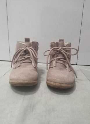 Осенние ботинки на девочку 28 размер