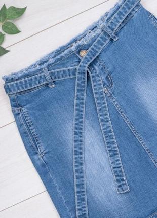 Женская джинсовая синяя юбка с поясом2 фото