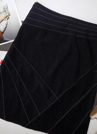 Плотная ткань, красивая и стильная юбка