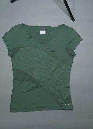 Жіноча спортивна футболка nike dry-fit