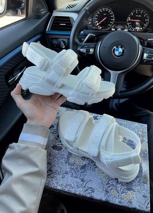 Белые сандалии/ босоножки