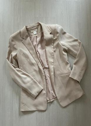 Пиджак бежево- розового  цвета