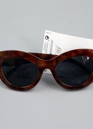 Стильні жіночі сонцезахисні окуляри бренду c&a