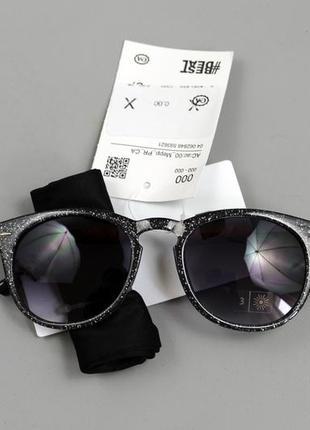 Крутезні жіночі сонцезахисні окуляри бренду c&a